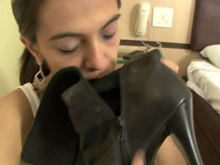 Feet slave – BRAZIL FEET – Worship Leticia Miller's Sweaty Feet