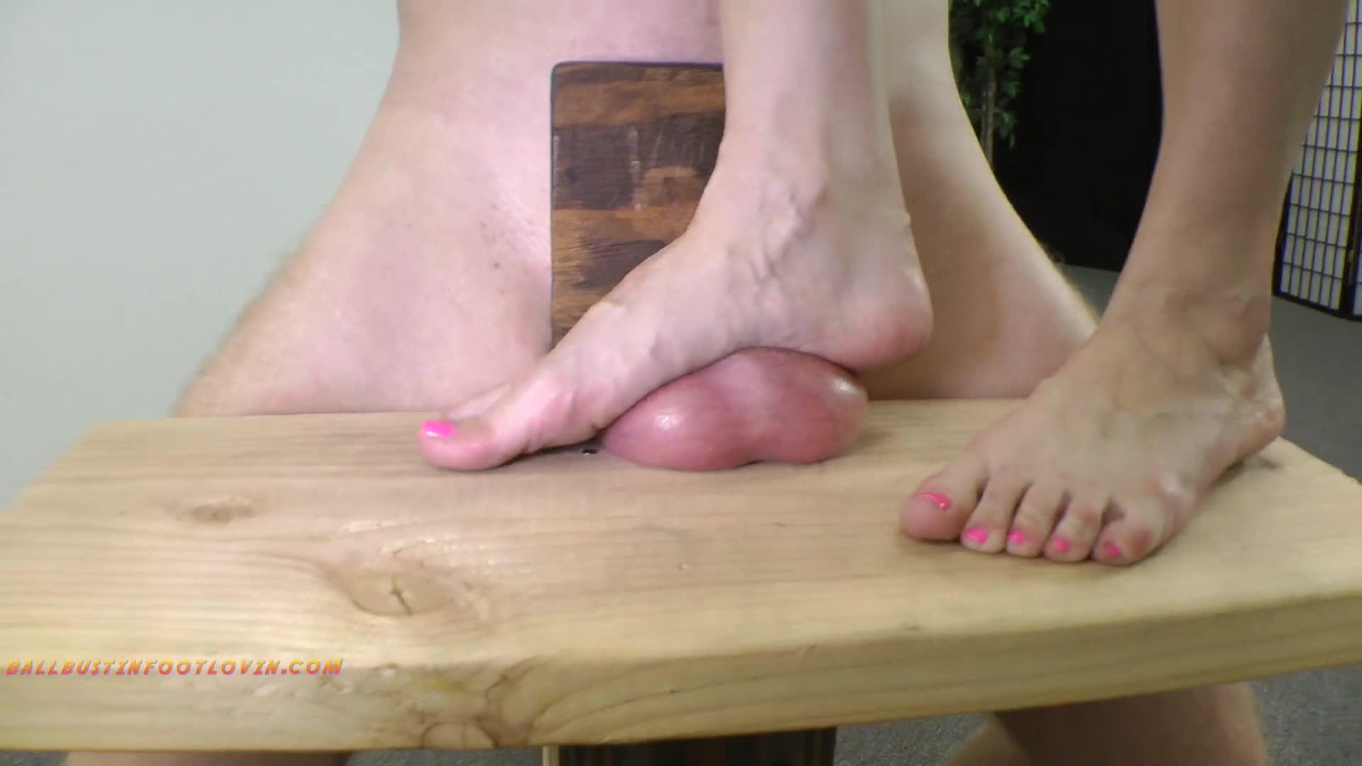 Dixie Comet Lesbian Feet