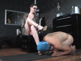 Faceslap – Femme Fatale Films – Taken In Hand – Lady Victoria Valente
