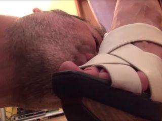 Online Fetish video Footdominas - ABBIE CAT - 'HOME MADE FEMDOM' - HARD DOMINATION UNDER WOODEN SANDALS PART2