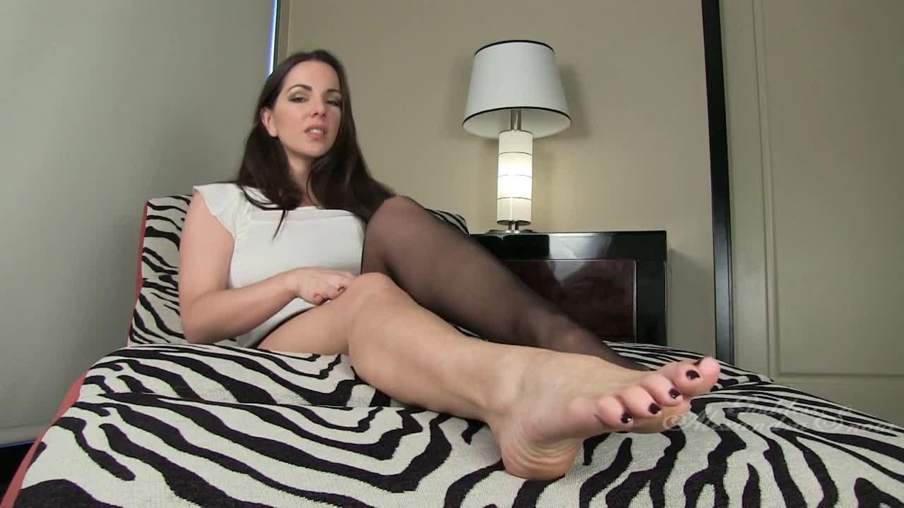 Long Toenails Feet Lick