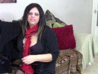 Original Video Title British mature BBW fingering herself