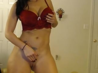 Sexy milf masturbating on webcam