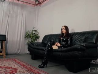 Domination – CRUEL PUNISHMENTS – SEVERE FEMDOM – Nina's sexy feet – Mistress Nina