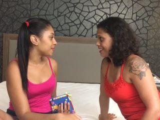 Porn online Mfvideobrazil: Hot Kisses By Cristina Carla Dos Santos And Flavia Carla Dos Santos