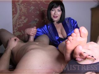 Mistress  T  Fetish Fuckery  Foot Desire HJ