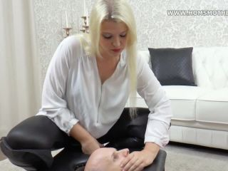 Carrera – HomSmother – Air robbery in smotherbox – Vicky