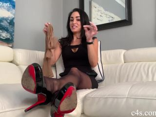 Stepmoms Punishment Footjob While Dads Away – Bratty Babes Own You – Cleo
