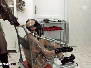 Latex Porn – 7879 – Metal Bondage – Part One – Cynth Icorn & Crystal Star