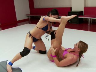 Lea Lexis and Savannah Fox Wrestle Naked and fight for a sex prize - Kink  June 5, 2015