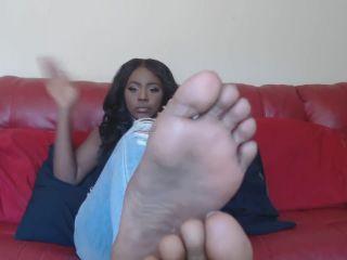 Ebony soles ignore -