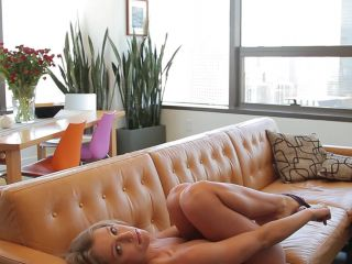 traci-denee-sexy-city-girl-nude