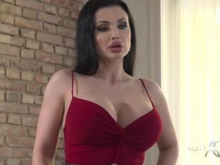 AlettaOceanLive presents Aletta Ocean in Photoshooting With Extras –