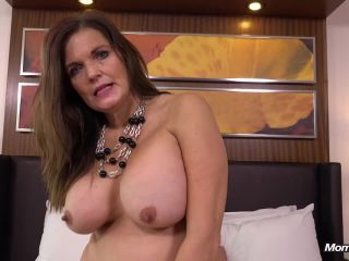 Milf Sadiemae - 50 year old country MILF has many talents