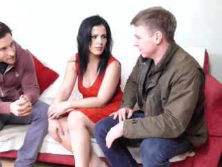 Montse Swinger EU 37 – Naughty housewife having a threesome