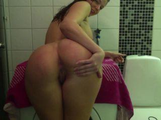 esofia.w-Shower-tease