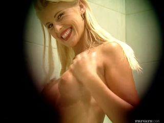 Sandra Russo Takes a Shower before Using the Shower Head for an Orgasm