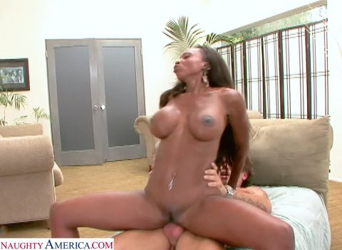 Diamond Jackson - Hot Mom Diamond Jackson Craves Young Cock [FullHD 1080P]