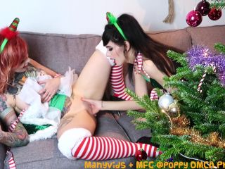ManyVids Webcams Video presents Girl Poppy in lesbian elves finger oral cum hd