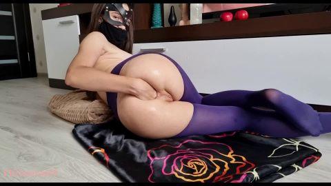 Fiftiweive69 - Fiftiweive69 pervert fucks herself with juicy fruits (1080p)
