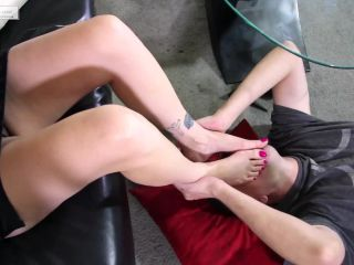 Foot cleaning – Alabama Foot Smellin' Part Two on lesbian girls fetish fantasy studio