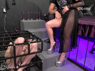 Mistress Kennya – Licking training with My bull