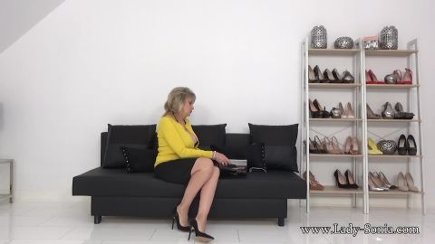 Lady Sonia - Your New Step-Mother Knows That You Are A Filthy Wanker [FullHD 1080P]