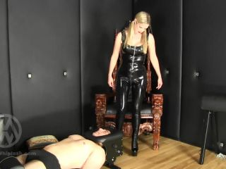 Foot worship – Mistress Whiplash – Trapped Footslave