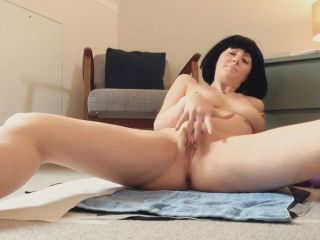 Laceyloumartin1 - Playing with my pussy whilst pooping - peeing [FullHD 1080P] - Screenshot 2
