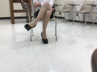 Crossdresser high heels