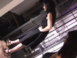 Lady Amy – Mistress Blackdiamoond – Trampled by 3 ladies – Mistress Blackdiamoond, Lady Chanel and Miss Amy