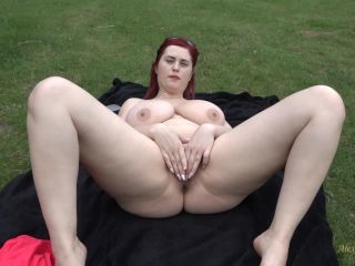 bbw - Alexsis Faye in Alexsis masturbating in the forest 050118