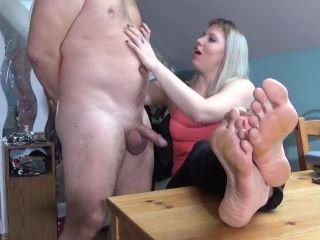 Handjobs – Lady Cruellas games – Humiliation games – Triple orgasm