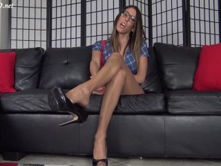 Dava Foxx Nerd Girl Pantyhose Footjob – The Foot Fantasy!!!