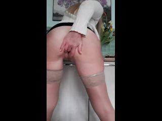 Wet Housewife Pee Compilation [UltraHD/2K 1440P] - Screenshot 1