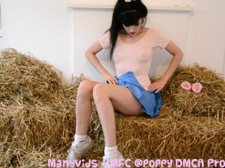 ManyVids Webcams Video presents Girl Poppy in pig roleplay squirt cum hd