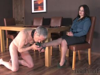 Porn online FemmeFataleFilms – Earn Your Leash. Starring Miss Amy Hunter femdom