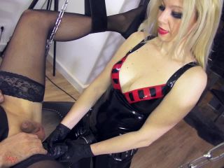 The brutal fuck of a dirty slut