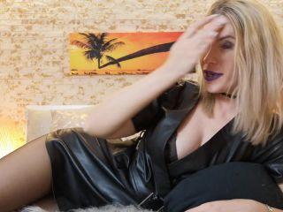 on femdom porn superheroine femdom