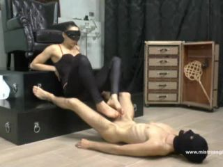 Ballbusting – MISTRESS GAIA – PUNISHED BY HER BITCH