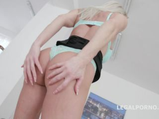 New 30.01.20 Lara De Santis gets males domination gangbang and dildo rides