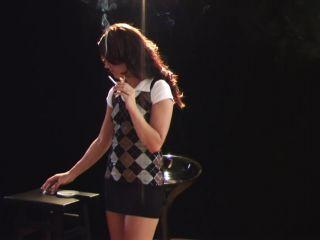 Smoking girl, Smoke