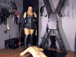 Whipping – Mistress Ezada Sinn – Nipping the rebellion in the bud