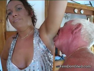 femdomshed  bratty princess  my armpits stink from my work out in the gym