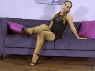 Jbvideo – CASSIDY KLEIN – FOOT TEASE