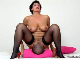 Mature stepmom greta face sitting