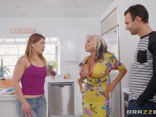 Sally D'Angelo ( Can You Help My Mom? / 02.01.19)