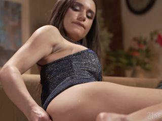 Footsie Babes – Lana Roy
