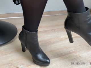 Boss Employee Short Briefing Ends With Cum Into Her Pantyhose - Busine ...