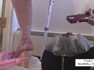 Under MuMMys Toilet - Long PooP Snakes Piled on Your Face [HD 720P] - Screenshot 4